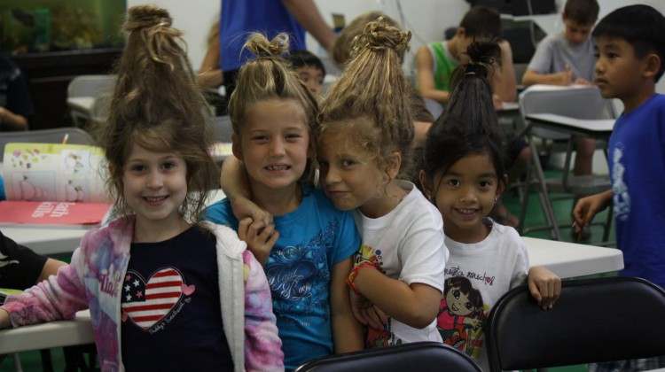 Girls Crazy Hair Day – Naples Summer Camp